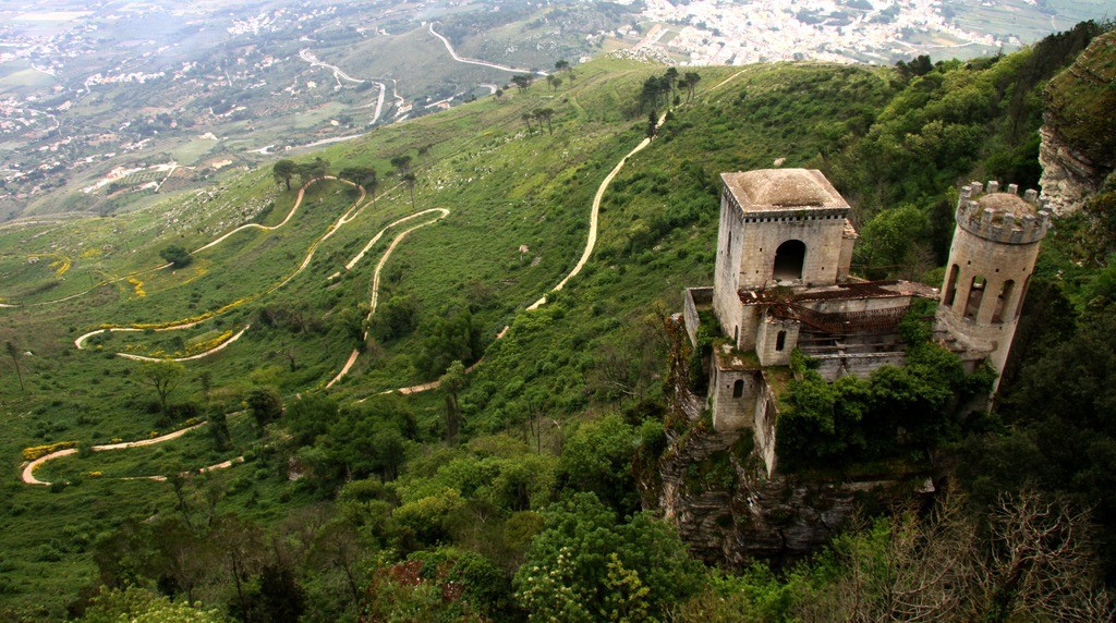 Norman hunting tower in the countryside of Erice, Sicily, by Terry Feuerborn in 2011.